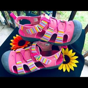🌼 Colorful Hiking Sandals 🚴🏿♀️